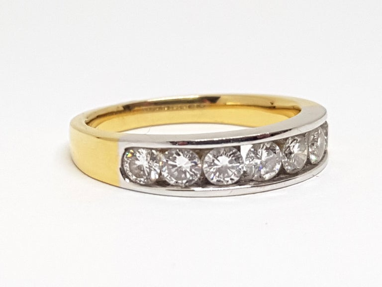 Round Cut 1.20 Carat 7-Stone Diamond Memory Ring For Sale