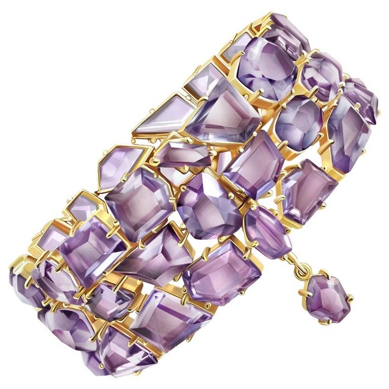120 Carat Amethyst Rose de France 14 Karat Yellow Gold Bracelet For Sale