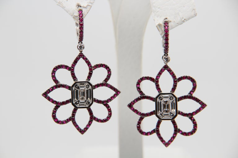 1.20 Carat Emerald Cut Diamond and Ruby 18 Karat Gold Floral Earring For Sale 1