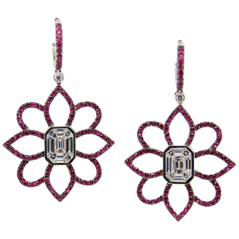 1.20 Carat Emerald Cut Diamond and Ruby 18 Karat Gold Floral Earring For Sale