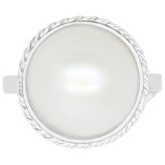 1.20 Carat Mother-of-Pearl Ring
