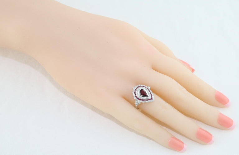 Contemporary 1.20 Carat Ruby Diamond Gold Ring For Sale