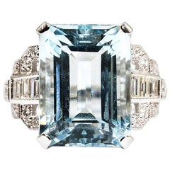 12.06 Carat Emerald Cut Aquamarine and Diamond 18 Carat White Gold Cocktail Ring