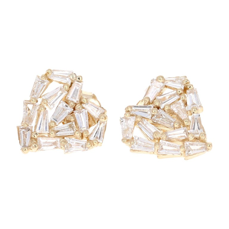 1.21 Carat Baguette Diamond 14 Karat Yellow Gold Stud Earrings For Sale