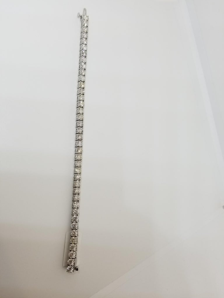 8.12 Carat Round Brilliant Cut Diamond Tennis Bracelet 14 Karat White Gold In New Condition For Sale In New York, NY