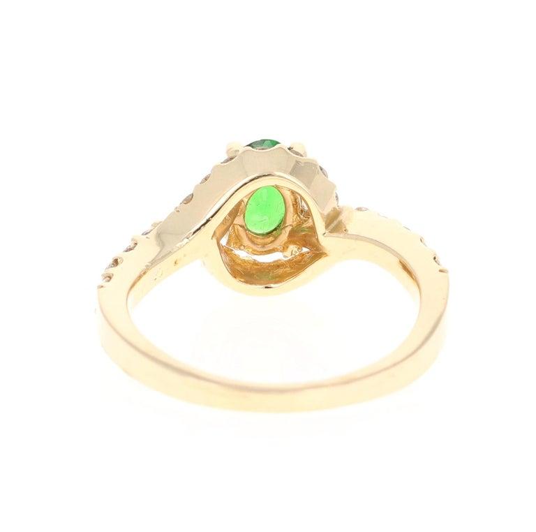 Oval Cut 1.22 Carat Tsavorite Garnet Diamond 14 Karat Yellow Gold Ring