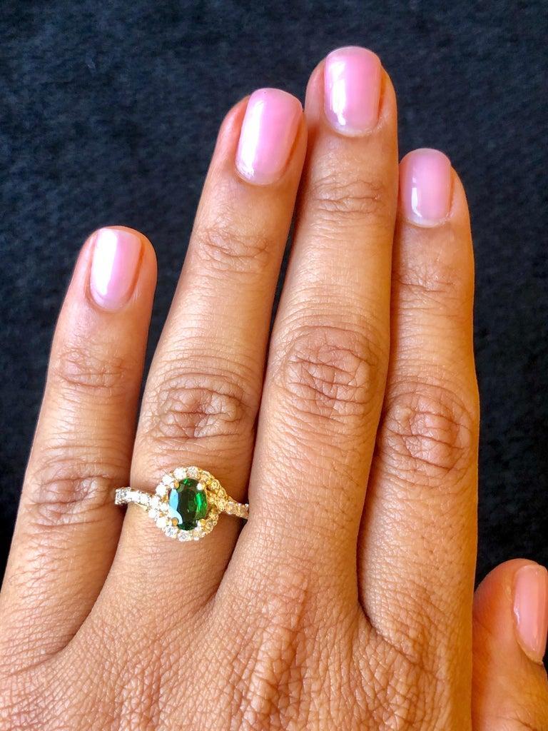 1.22 Carat Tsavorite Garnet Diamond 14 Karat Yellow Gold Ring In New Condition In Los Angeles, CA