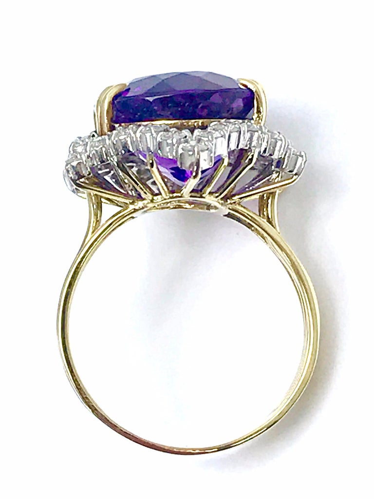 12.20 Carat Oval Amethyst and Round Diamond Cocktail Ring For Sale 1