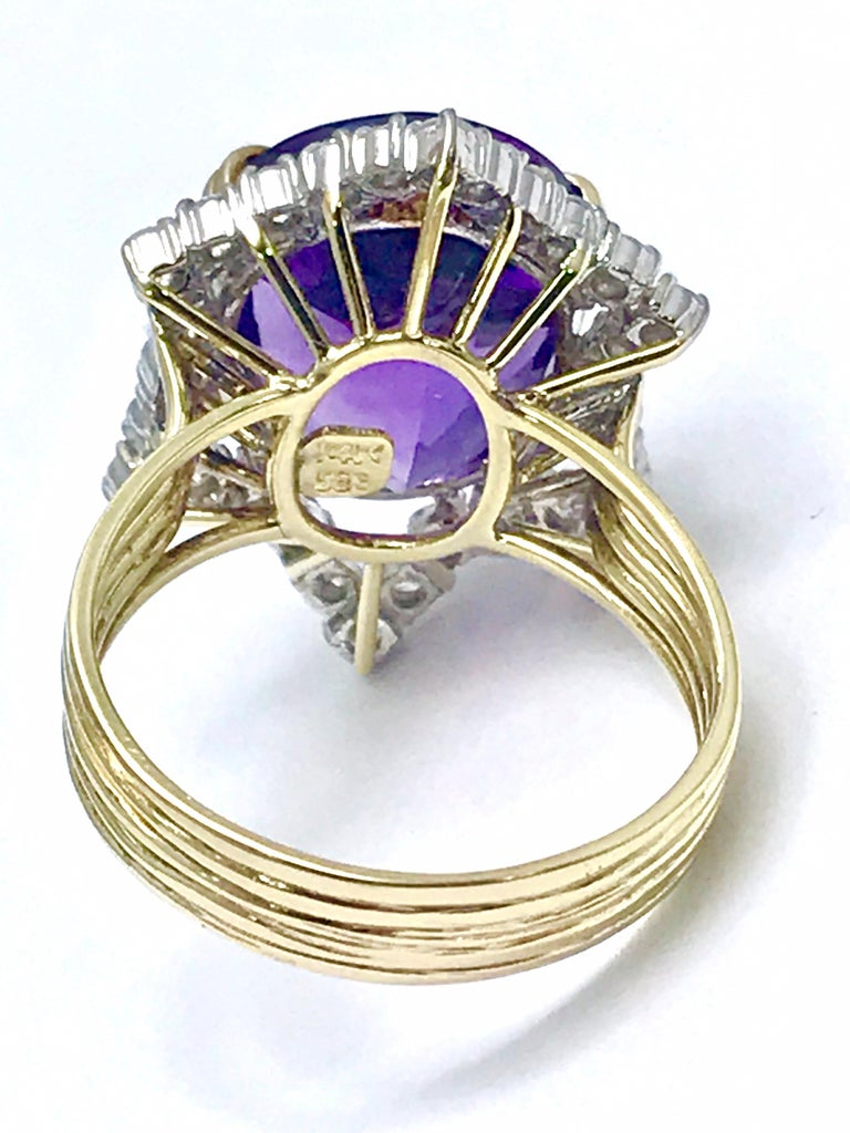 12.20 Carat Oval Amethyst and Round Diamond Cocktail Ring For Sale 2