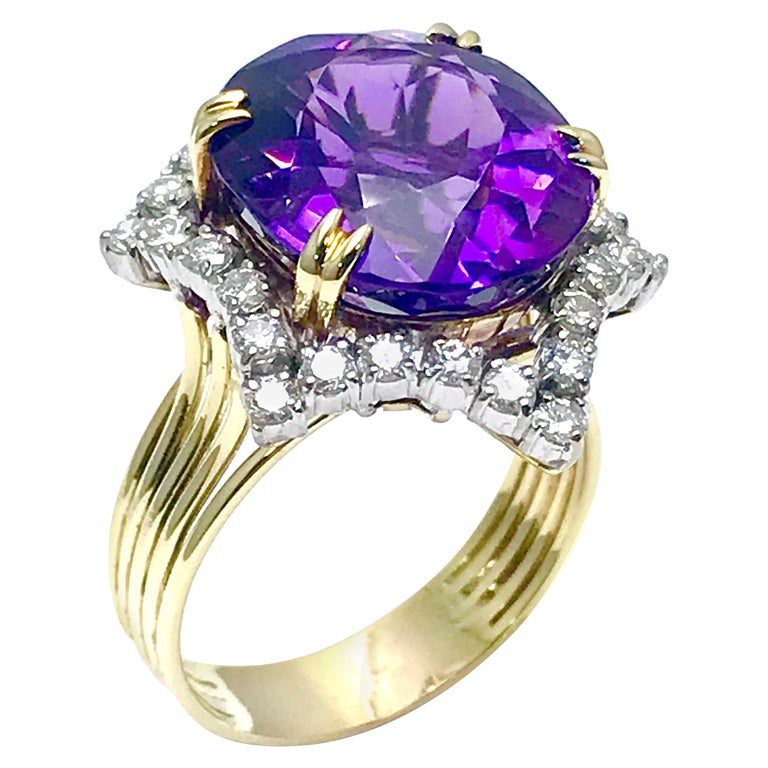 12.20 Carat Oval Amethyst and Round Diamond Cocktail Ring For Sale