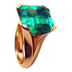12.27 Carat Natural Colombian Emerald Rose Gold Cocktail Ring