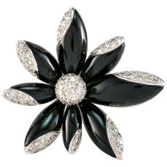 1,23 Karat Diamant Onyx Lilie Blume 18 Karat Weißgold Cocktailring