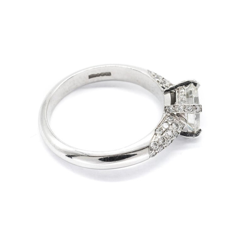 Emerald Cut 1.23 Carat Emerald-Cut Diamond Platinum Ring For Sale
