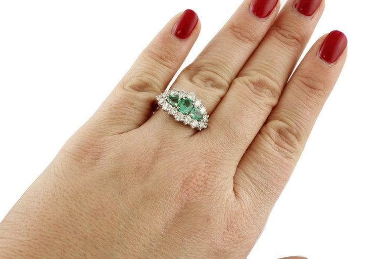 Women's 1.25 Carat Emeralds 1.72 Carat White Diamonds White Gold Ring For Sale