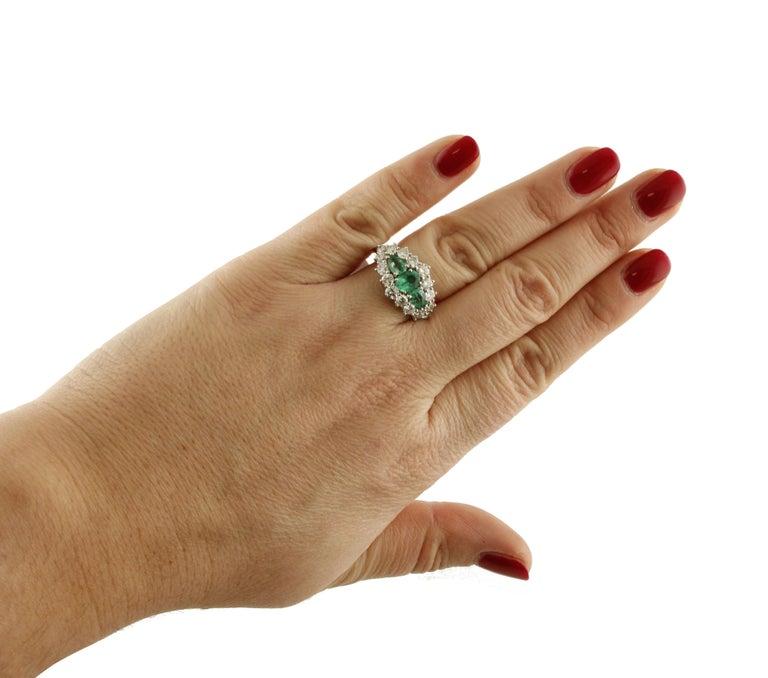 1.25 Carat Emeralds 1.72 Carat White Diamonds White Gold Ring For Sale 1