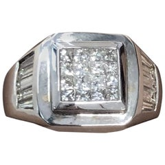1.25 Carat Princess and Baguette Diamond Ring in 18 Karat White Gold