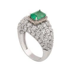 1.25 Carats Diamond Emerald 18 Karat White Gold Ring