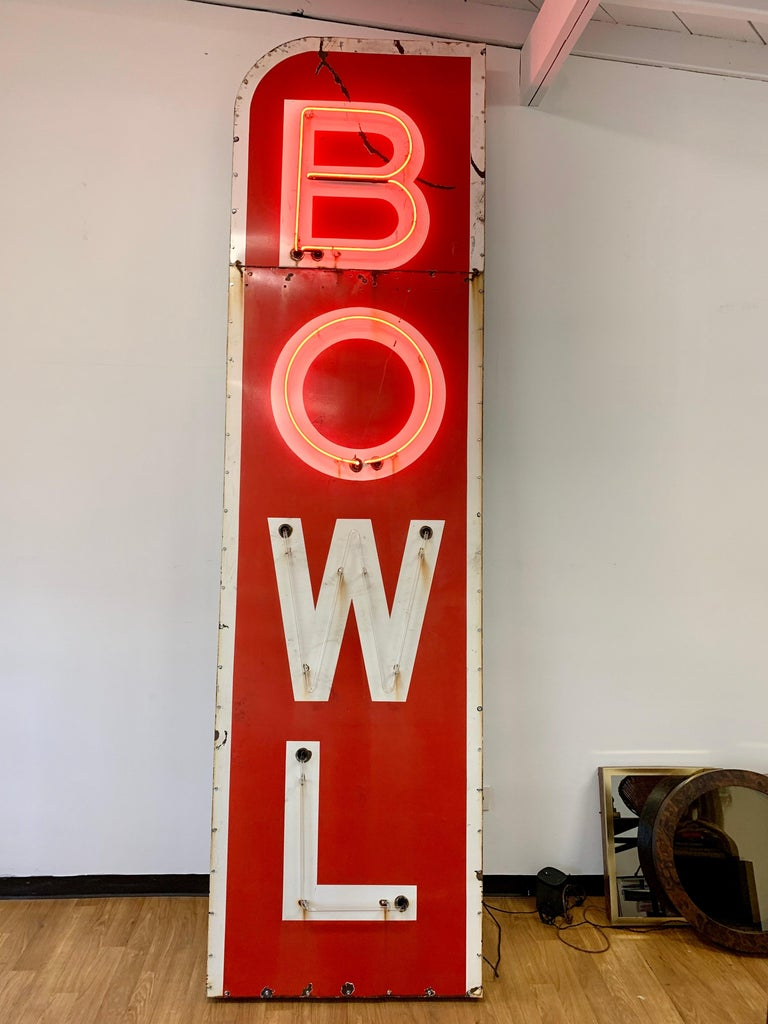 12.5 Foot Tall Vintage Neon Bowling Sign In Good Condition For Sale In Los Angeles, CA