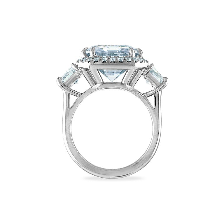 12.50 Carat Platinum Ring, Center Emerald Cut 10.06 H VS1, GIA Certified Diamond In New Condition For Sale In New York, NY