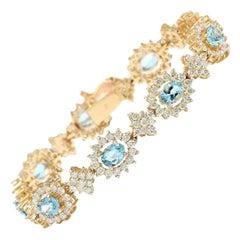 12.54 Carat Aquamarine 18 Karat Solid Yellow Gold Diamond Bracelet