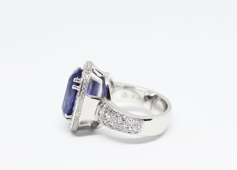 Oval Cut 12.59 Carat Natural Oval Blue Sapphire and Diamond 18 Carat Gold Cocktail Ring For Sale