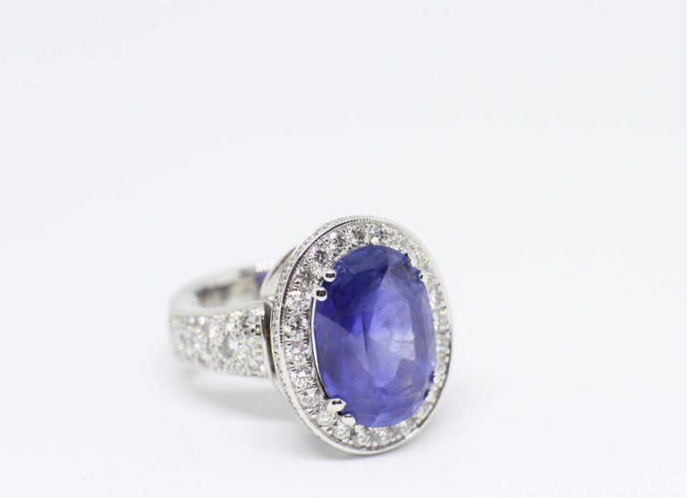 Women's 12.59 Carat Natural Oval Blue Sapphire and Diamond 18 Carat Gold Cocktail Ring For Sale