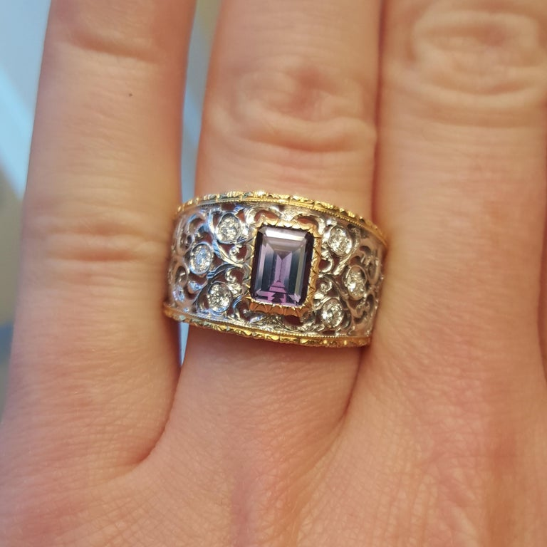 1.25ct Alexandrite and 18 Karat Gold Florentine Engraved Ring, Handmade in Italy For Sale 1