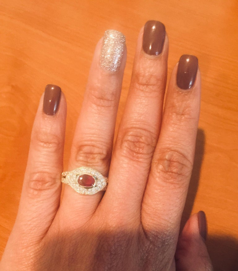 Women's 1.26 Carat Oval Cut Burmese Ruby Diamond 14 Karat Yellow Gold Ring Cocktail For Sale