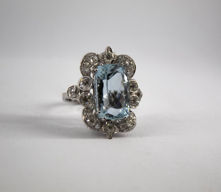 12.60 Carat Aquamarine 2.90 Carat White Diamond White Gold Cocktail Ring In New Condition For Sale In Naples, IT