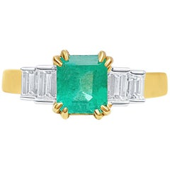 1.27 Carat Emerald-Cut Colombian Emerald and Diamond 18 Karat Yellow Gold Ring