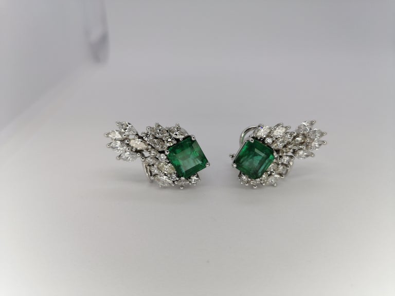 12.79 Carat Natural Emerald Marquise Diamond Earrings 18 Karat In New Condition For Sale In Rome, IT