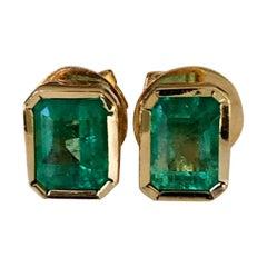 1.28 Carat Natural Colombian Emerald Stud Earrings 18 Karat