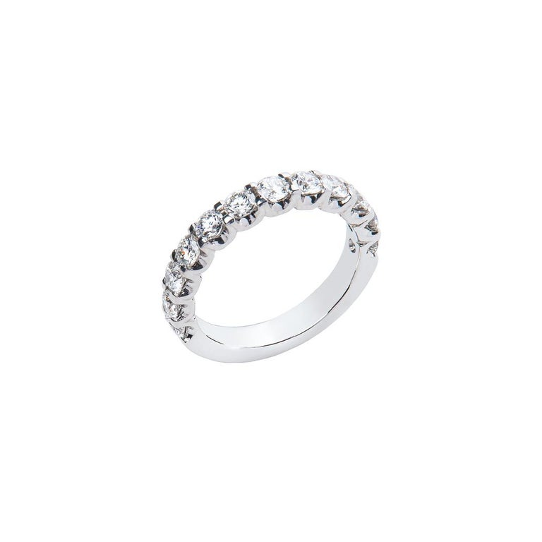 Round Cut 1.29 Carat Round White Diamond F VS Scalloped Claw Set Ring Natalie Barney For Sale