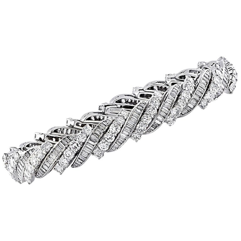 13 Carat Diamond Bracelet, circa 1960s For Sale