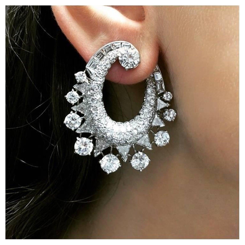 e6610f7f2f1c2 13 Carat Diamond Earrings