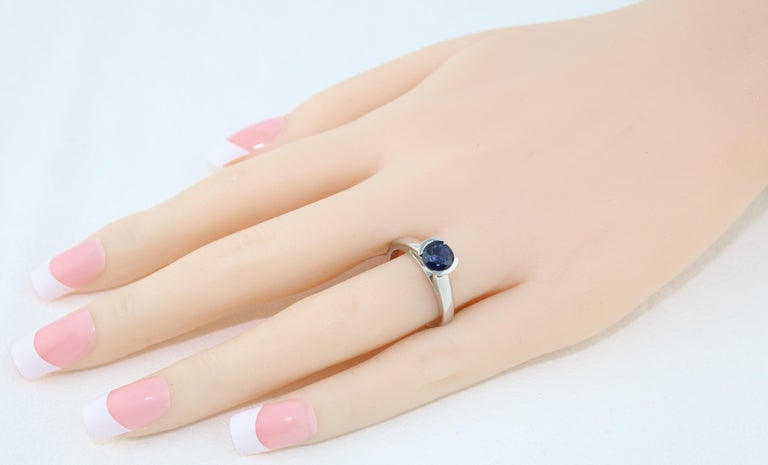 Round Cut 1.30 Carat Round Blue Sapphire Half Bezel Solitaire Gold Ring For Sale