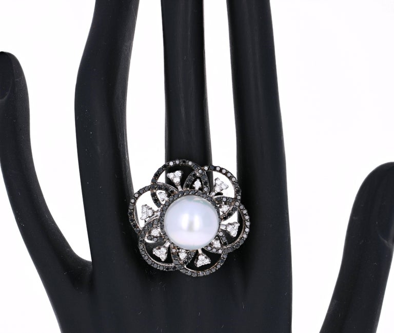 1.31 Carat South Sea Pearl Black Diamond Cocktail Ring in 14K White Gold In As New Condition For Sale In San Dimas, CA