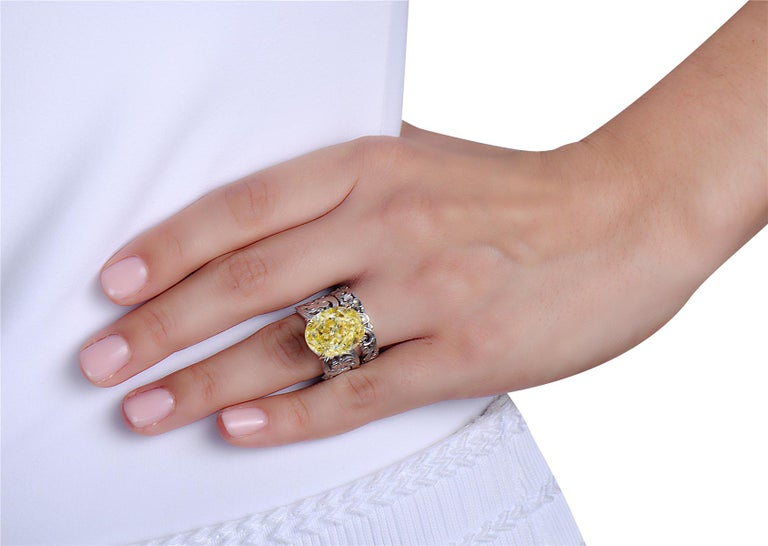 Women's 13.11 Carat Oval Fancy Yellow GIA Certified Diamond Engagement Ring and Band For Sale