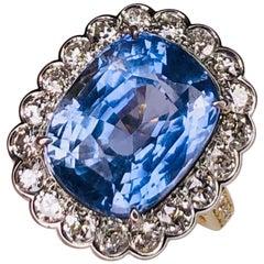 13.18 Carat Sapphire No Heat Platinum on 18 Karat Gold Ring Estate Fine Jewelry