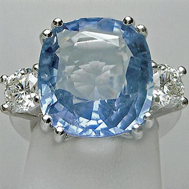 Contemporary 13.10 Carat Unheated Ceylon Blue Sapphire and Diamond Engagement Ring 18K For Sale