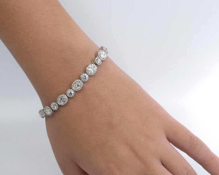 13.36 Carat Oval and Round Diamond 18 Karat Gold Tennis Bracelet In New Condition For Sale In Monte Carlo, MC