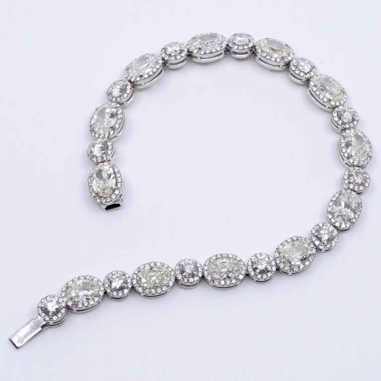 13.36 Carat Oval and Round Diamond 18 Karat Gold Tennis Bracelet For Sale 1
