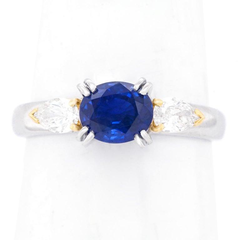 1.33 Carat Sapphire and Diamond-Set Platinum Ring For Sale 3