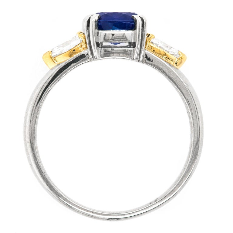 1.33 Carat Sapphire and Diamond-Set Platinum Ring For Sale 4