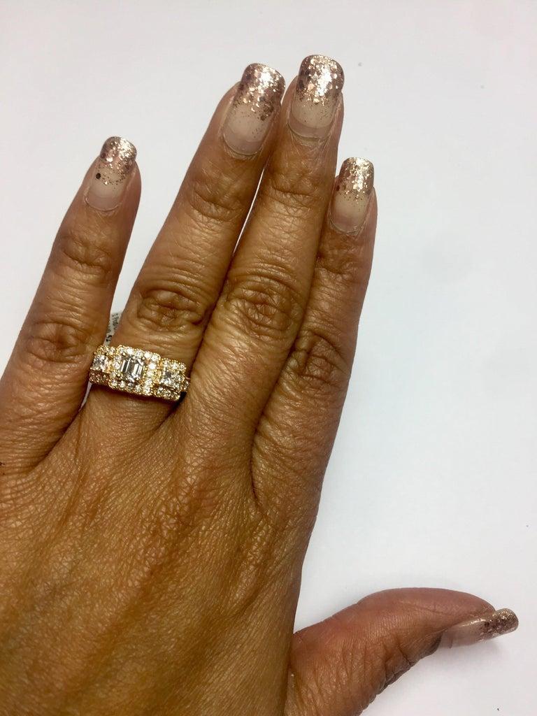 1.34 Carat Diamond Three-Stone 18 Karat Rose Gold Ring For Sale 1
