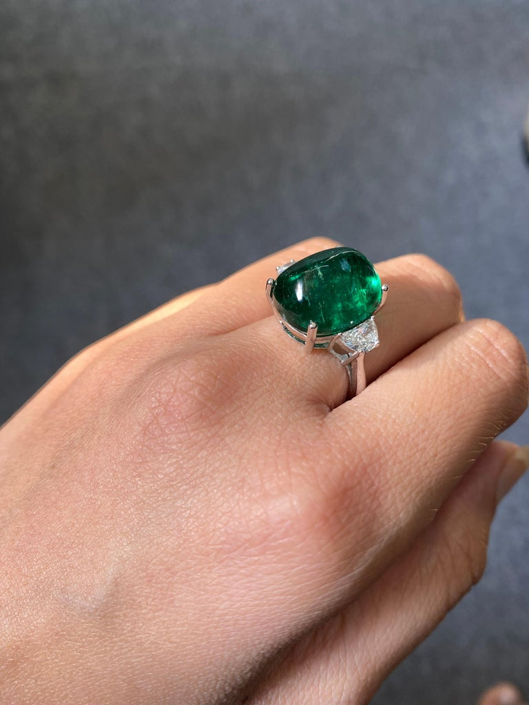 Emerald Cut Certified 13.47 Carat Sugarloaf Emerald and Diamond Three-Stone Engagement Ring For Sale