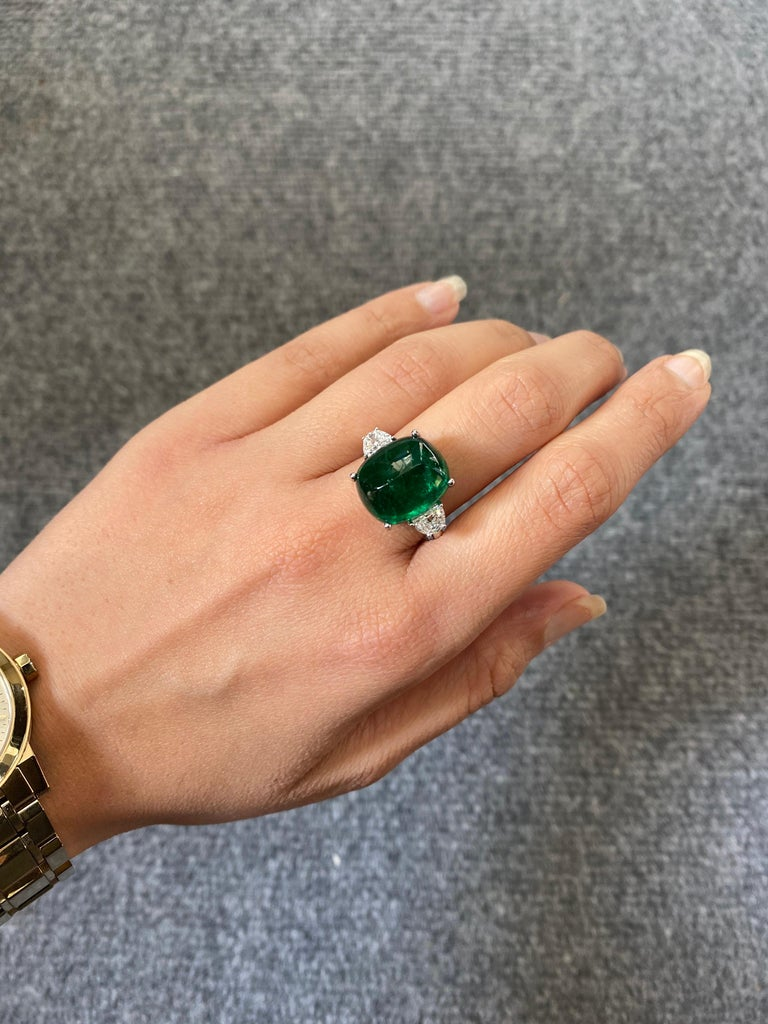 Women's Certified 13.47 Carat Sugarloaf Emerald and Diamond Three-Stone Engagement Ring For Sale