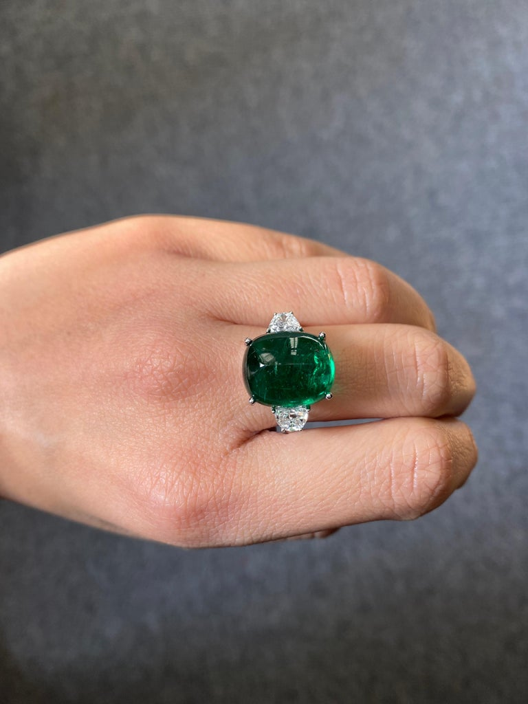 Certified 13.47 Carat Sugarloaf Emerald and Diamond Three-Stone Engagement Ring For Sale 1