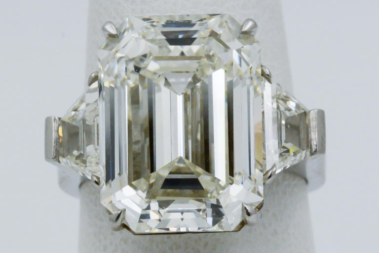 13.49 Carat GIA Emerald Cut 3-Stone Diamond Ring In New Condition For Sale In Dallas, TX