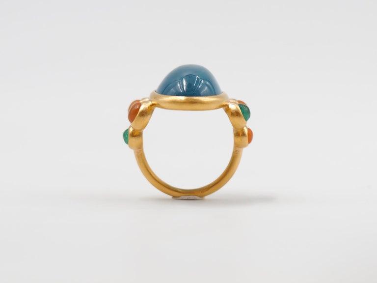 Women's Scrives 13.5 Carat Aquamarine Emerald Cornaline Cabochons 22 Karat Gold Ring For Sale